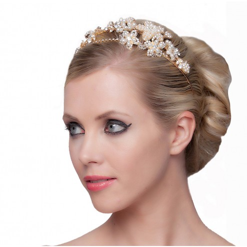 SEXYHER  Beautiful Tiara With Flowers and Pearls Details